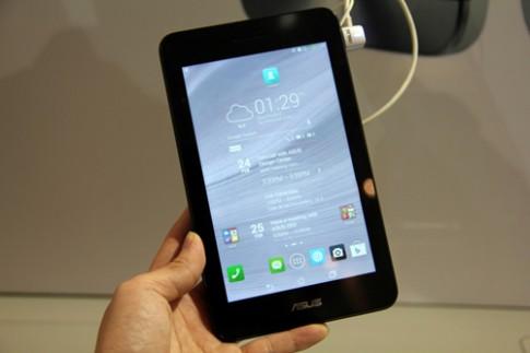 Điện thoại lai máy tính bảng lai cỡ nhỏ PadFone Mini