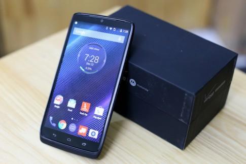 Điện thoại Motorola Droid Turbo màn hình 2K, pin khủng về VN