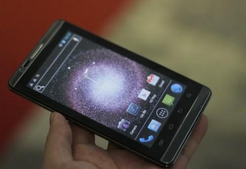 Điện thoại Trung Quốc màn hình 5 inch tại VCW 2012