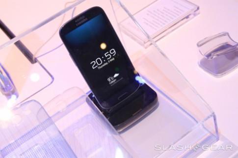 'Đồ chơi' cho Galaxy S III đã có hàng loạt