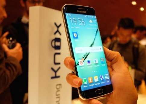 Dùng thử Samsung Galaxy S6 Edge màn hình cong hai cạnh