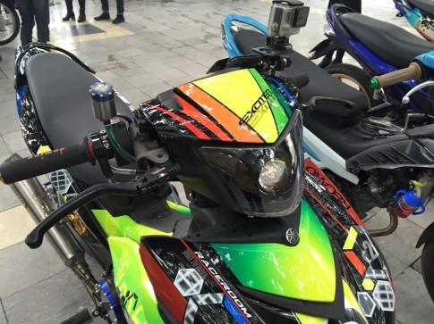 Exciter 150 sơn tem đấu nổi bật của biker Hà Nội
