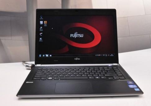 Fujitsu LifeBook UH572 chạy chip Intel Ivy Bridge
