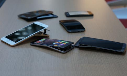 Galaxy Note 3 chịu uốn cong tốt hơn iPhone 6