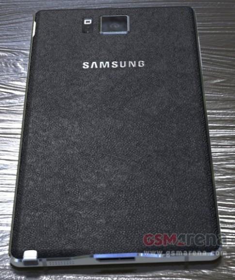 Galaxy Note 4 lộ diện với khung kim loại vuông vức