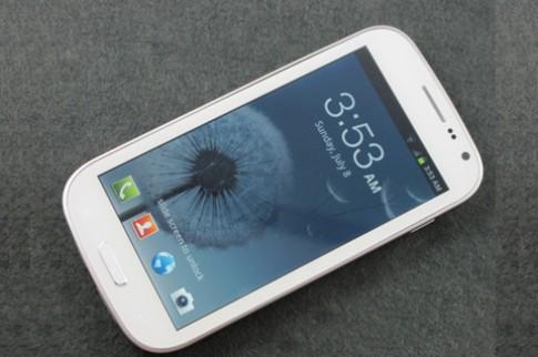 Galaxy S III nhái 'đọ' với hàng thật