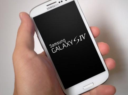 Galaxy S IV có thể dùng camera 13 'chấm'
