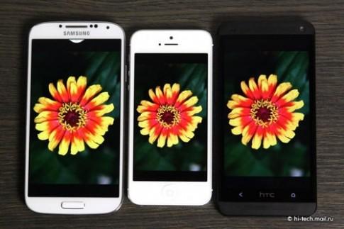Galaxy S4 so màn hình với HTC One và iPhone 5