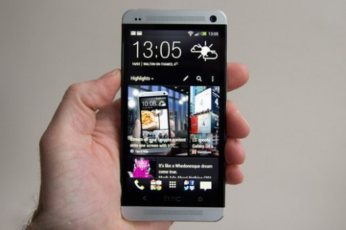 Galaxy S4 và HTC One cho đặt hàng tại Anh, giá hơn 760 USD