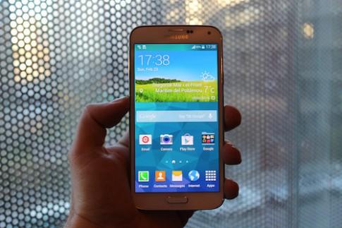 Galaxy S5 lộ ảnh thực tế trước lễ công bố
