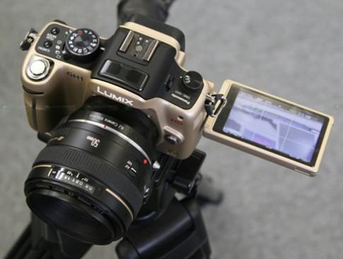 Gắn ống kính Canon vào GH1