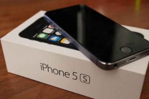 Giá iPhone 5S giảm tiếp vài trăm nghìn đồng