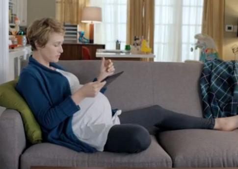 Google quảng cáo Nexus 10 là 'trợ thủ đắc lực' cho bà bầu