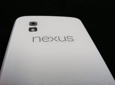 Google sắp có Nexus 4 màu trắng