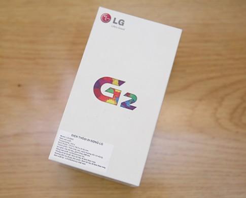 Hình ảnh mở hộp LG G2 tại Việt Nam