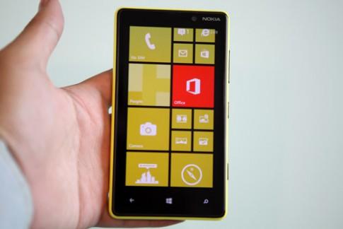Hình ảnh Nokia Lumia 820 tại VN