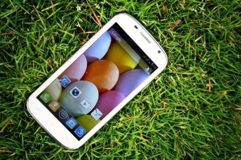 Hình ảnh thực tế smartphone FPT F80