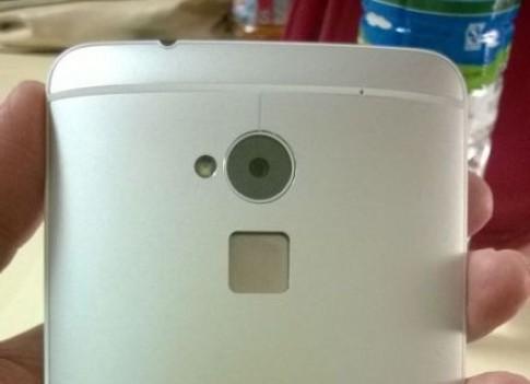 HTC One Max có tính năng bảo mật vân tay như iPhone 5S