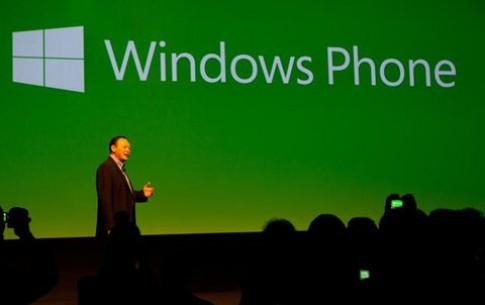 HTC trình làng bộ đôi Windows Phone 8, thách thức Nokia