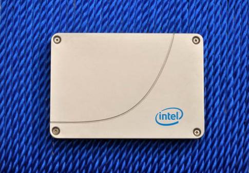 Intel ra ổ SSD tốc độ tối đa 768 MB/giây