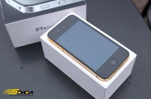 iPhone 4 mạ vàng, đính đá Swarovski