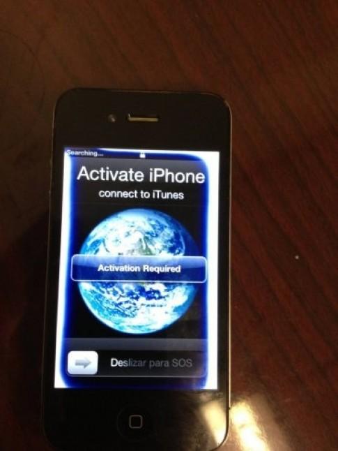iPhone 4 ngâm nước nửa năm vẫn hoạt động