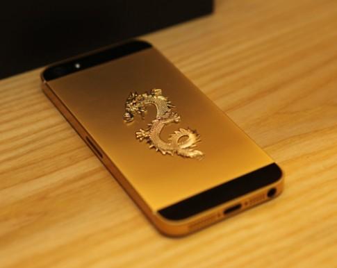 iPhone 5 mạ vàng, khảm hình rồng ở Việt Nam