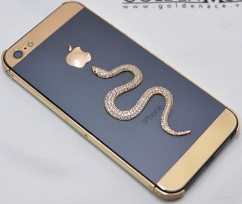 iPhone 5 mạ vàng phiên bản rắn đón Tết