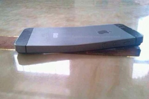 iPhone 5S bị cong