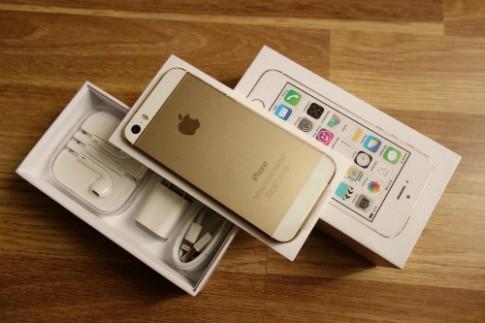 iPhone 5S giá giảm sâu, hàng mới khan hiếm