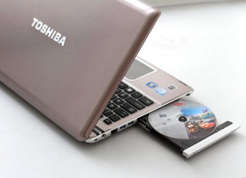 Laptop 3D không kính cấu hình 'khủng' tại VN