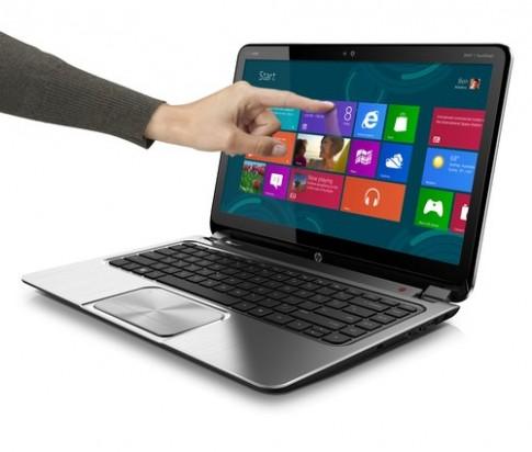 'Laptop cảm ứng chạy Windows 8 chỉ còn 200 USD'