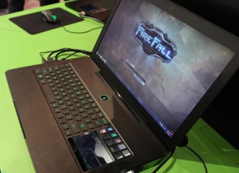 Laptop chơi game Razer Blade 'cháy hàng' trong 30 phút