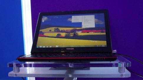 Laptop màn hình gập lạ mắt của Toshiba