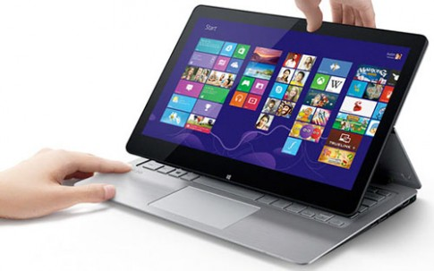 Laptop màn hình lật của Sony ra mắt, giá từ 19,99 triệu đồng