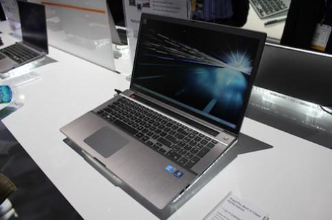 Laptop Series 7 Chronos 17,3 inch có giá 1.500 USD