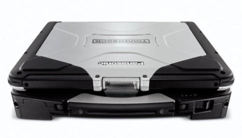 Laptop siêu bền pin 27 tiếng của Panasonic