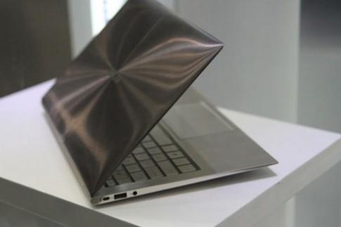 Laptop siêu mỏng thế hệ mới có thể làm bằng sợi thuỷ tinh