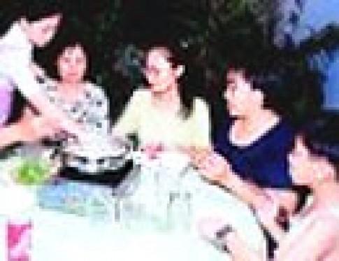 Lẩu Philippines ở quán Mái Chèo