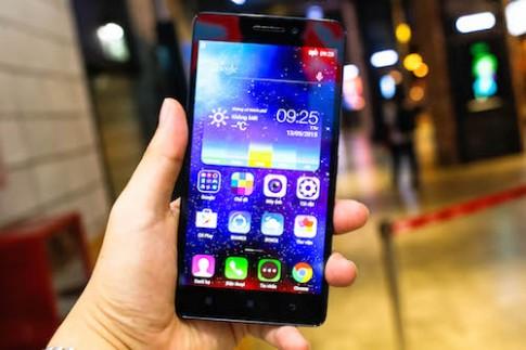 Lenovo A7000 - phablet giá tốt mới về Việt Nam