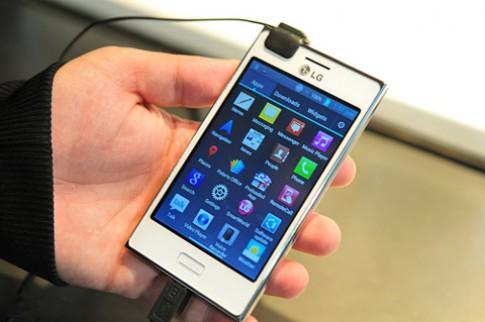 LG sắp bán 2 smartphone giá rẻ ở VN