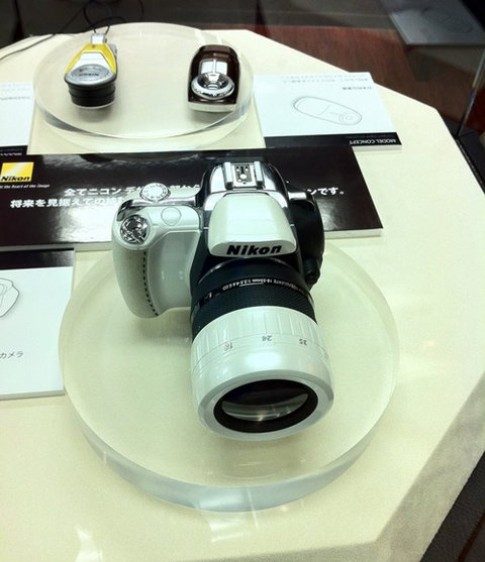 Lộ diện máy ảnh EVIL của Nikon
