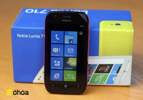 Lumia 719 bất ngờ xuất hiện
