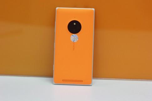 Lumia 830 - điện thoại thời trang, cá tính