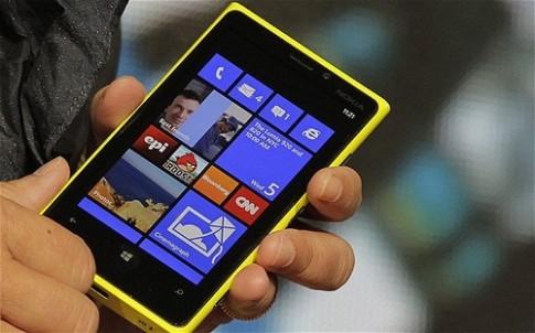 Lumia 920 đột ngột bị ngưng đặt hàng