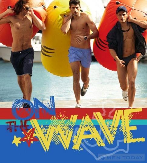 Lướt sóng biển mùa hè cùng quần bơi