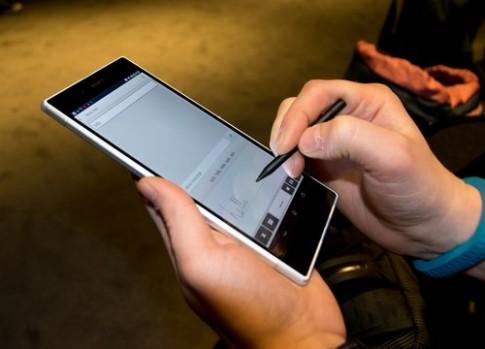 Màn hình Sony Xperia Z Ultra hỗ trợ viết bằng nhiều loại bút