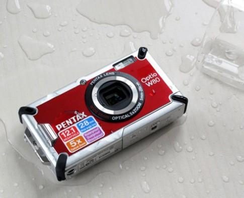 Máy ảnh chịu nước Pentax