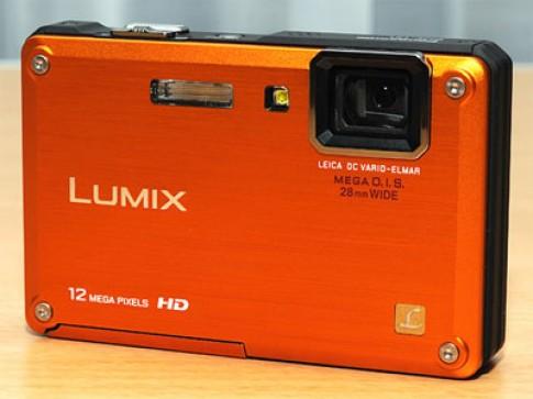 Máy ảnh chống nước, chống sốc của Panasonic