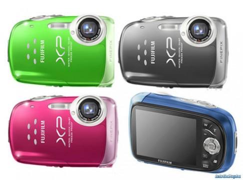 Máy ảnh chống sốc, FinePix XP10, giá 3.699.000 đồng